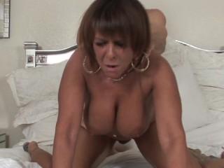 Big Titty Mommas – Scene 3