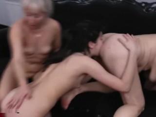 Mature ♀ Granny Barefoot Pussy Ass Worship ⭐ ❤