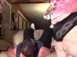 2-on-1-bbw-couch-facesitting-and-crushing-part-1