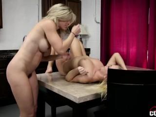 lesbian standing 69 Blonds