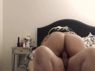 phat booty white girl rakes a ride