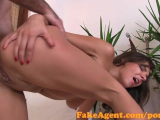 FakeAgent Anal creampie for sexy amateur