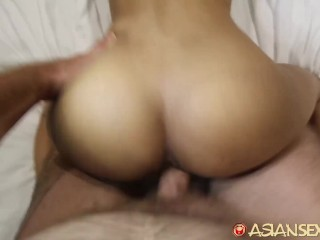 Asian Sex Diary – Asian hottie gives up her pussy to large white cock