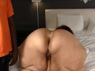 SSBBW with her sexy fat ass knows how to let it rip, she got it