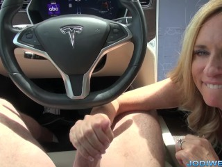 Jodi West shows the benefits of having a self driving Tesla