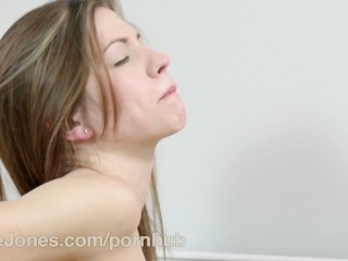 DaneJones Deep kissing sensual foreplay passionate lesbian sex