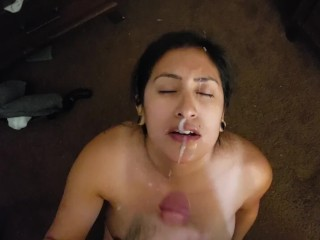 Indian Girl Gets a MASSIV cumshot