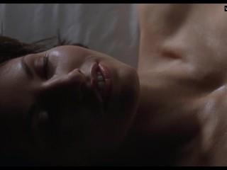 Gina Gershon & Jennifer Tilly – Lesbian Sex Scene – Bound (1996)