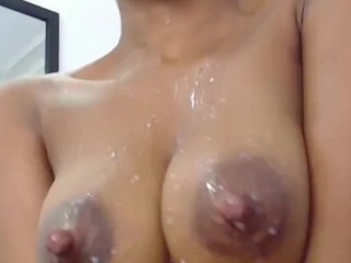 MILK HEAVY TITS dripping and squirting – milk drinking