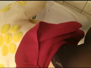 Chinese sexy lady Secretly make love in public toilets
