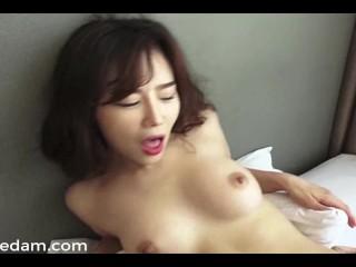 Sexy Korean Golfer 2