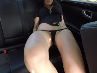 Hot girl masturbating on back seat of the car and wasn't caught – Mini Diva