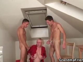 Fixing the machine, fucking the granny – GrandmaFriends