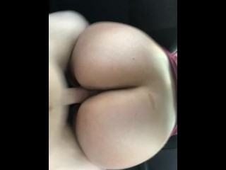 Thick lighskin naynay fucked in car